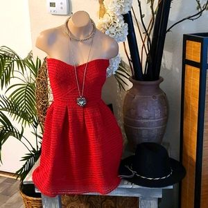 SUMMER RED STRAPLESS SM VINTAGE PLEATED LINED